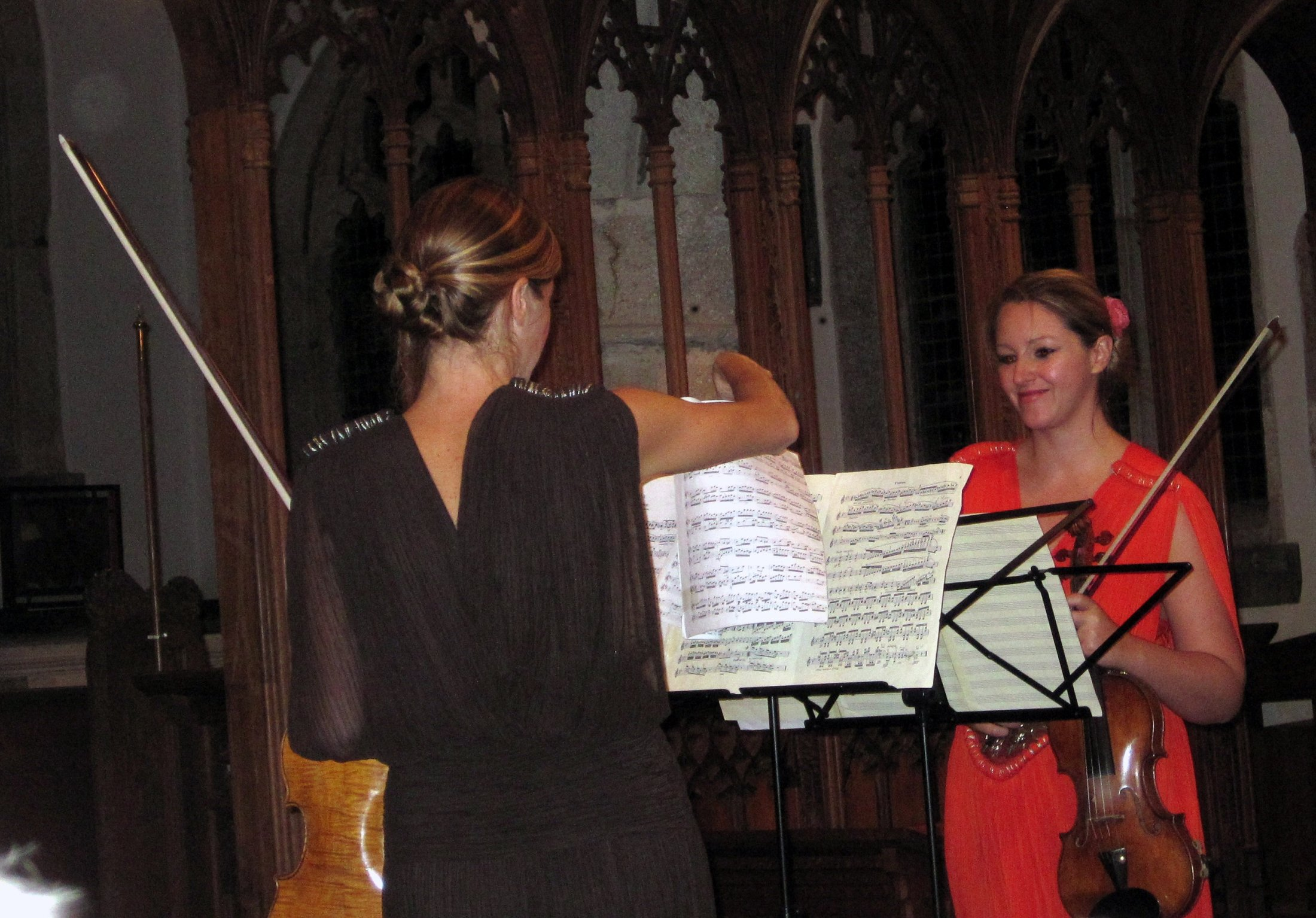 Retorica, 2 violinists who played a concert in the church